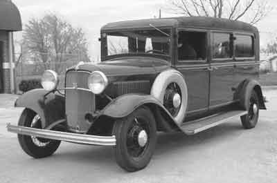 oo1932FordAutoCoach00.jpg